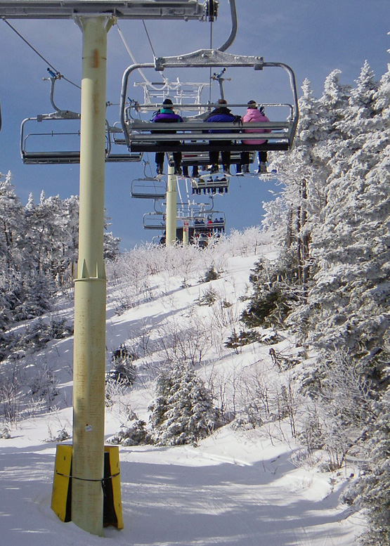 If you look on a map, you'll probably be just a bit surprised to see how close together the two biggest resorts in southern Vermont really are.