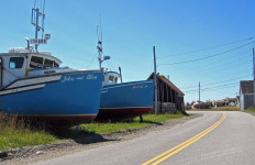 We pedaled this same road and saw these same boats, but the blue sky was nowhere to be seen on our visit. (Yarmouthonline photo)