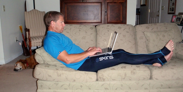 Long-term testing of Skins Travel & Recovery compression tights shows us great benefits for all intense activities.
