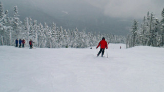 """Sugarloaf is usually """"busier"""" than Saddleback, and has many more high-speed lifts, but that doesn't mean the trails are always crowded. (Tim Jones/EasternSlopes.com)"""