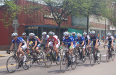 The peleton! (Patricia Lyon-Surrey photo)