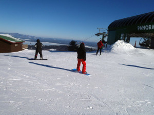 Blues skies, few people, lots of great snow. That's typical Gunstock on a  mid-week day. (EasternSlopes.com photo)
