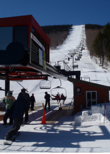 Sunshine and lots of snow at Sunday River. The corn snow that developed arpund noon time was just a bonus! (Tim Jones/EasternSlopes.com)