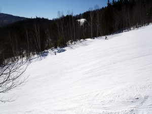 "Don't be fooled by BMOM's ""small mountain"" status; even their blues have plenty of steep for you. This is Androscoggin, where you can rip top to bottom. (EasternSlopes.com)"