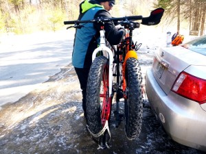 Fatbikes on car